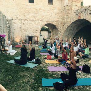 cosa fare a fano yoga