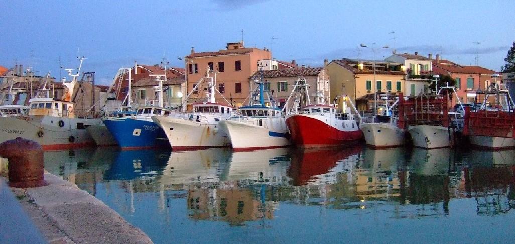 Festa del mare a fano Porto peschereccio